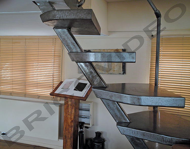 fabrication escalier metallique