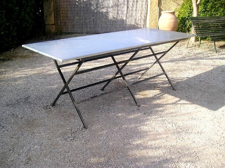 table bricolage