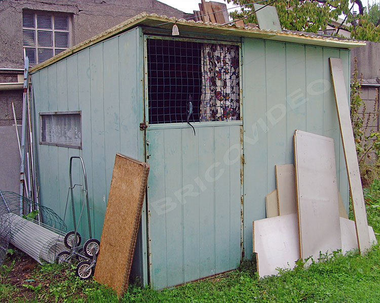 Forum ma onnerie bricolage comment boucher 15 cm de for Cabane au fond du jardin