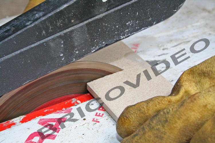 Fiches outillages bricolage contr le et r glage for Decouper du carrelage