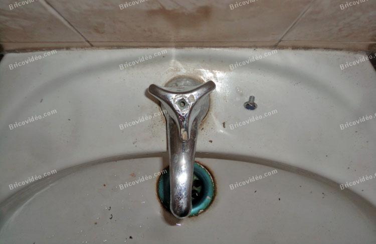 bricovideo demonter la tete d un ancien robinet