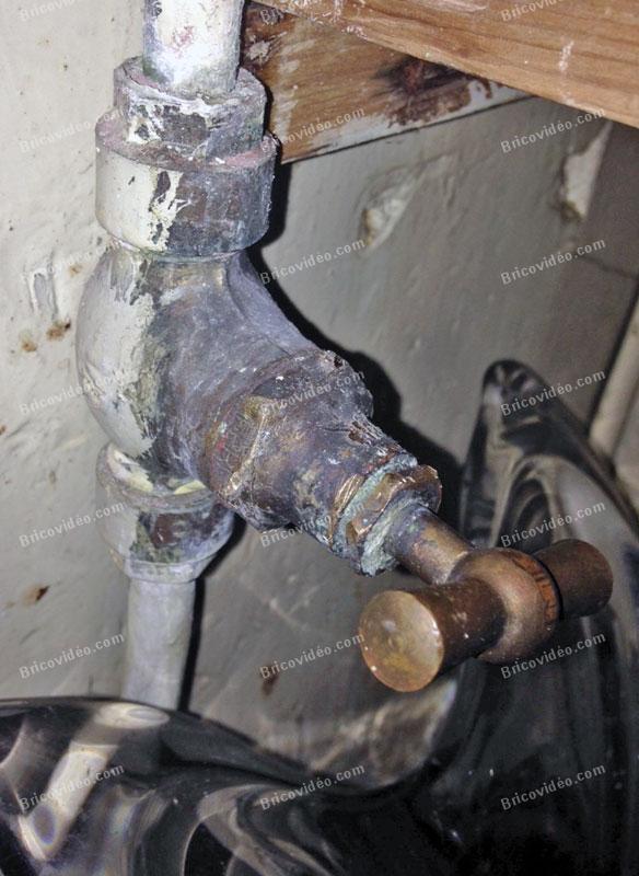 bricovideo vanne d arrivee d eau