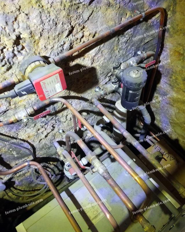 circuits d eau derriere la chaudiere
