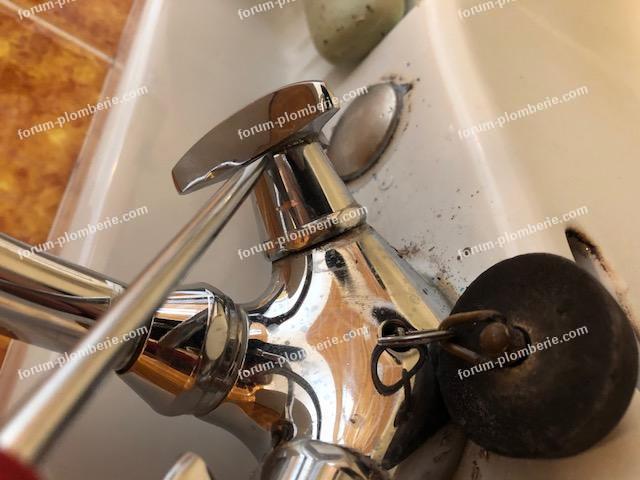 demonter croisillons de robinet