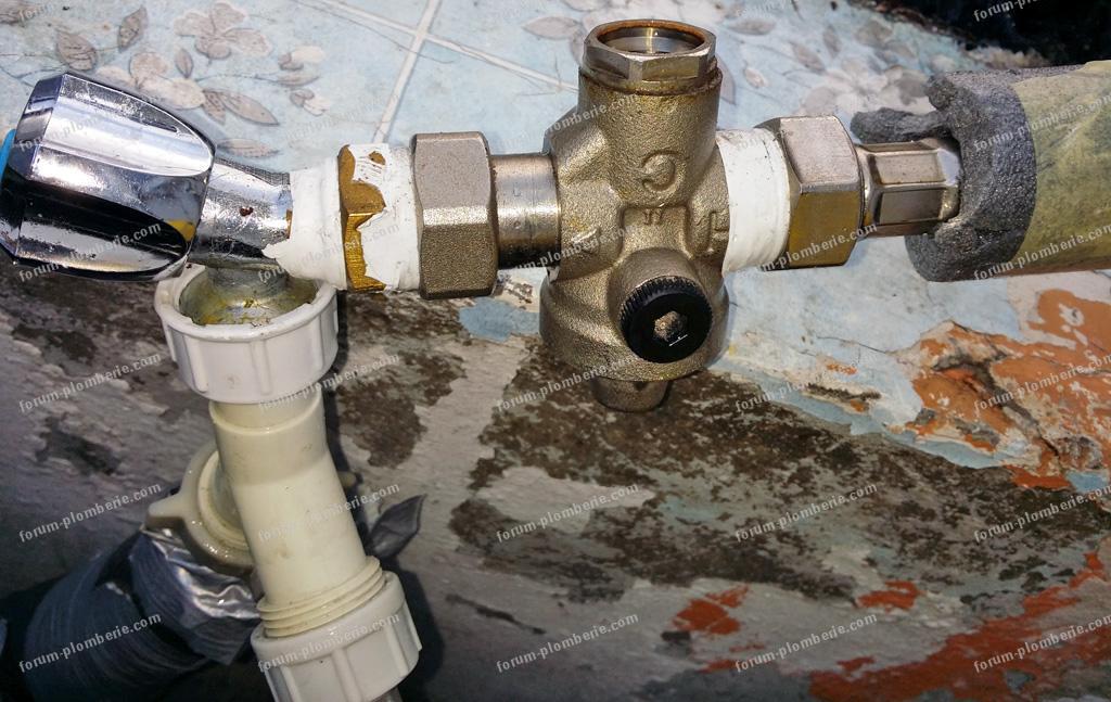 fuite entre robinet et flexible