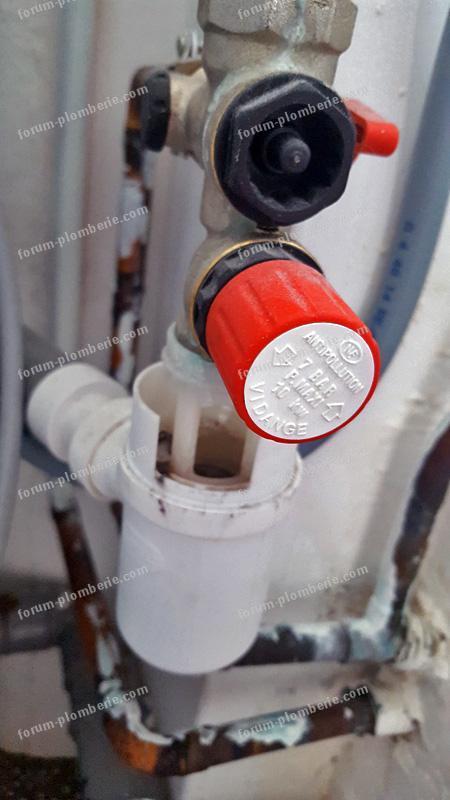 fuite evacuation machine a laver 001