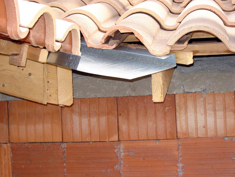 astuces et conseils pour bricoler comment poser une sous toiture en osb. Black Bedroom Furniture Sets. Home Design Ideas